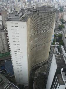 Blick von der Aussichtsplattform auf dem Edificio Itália auf das Copan